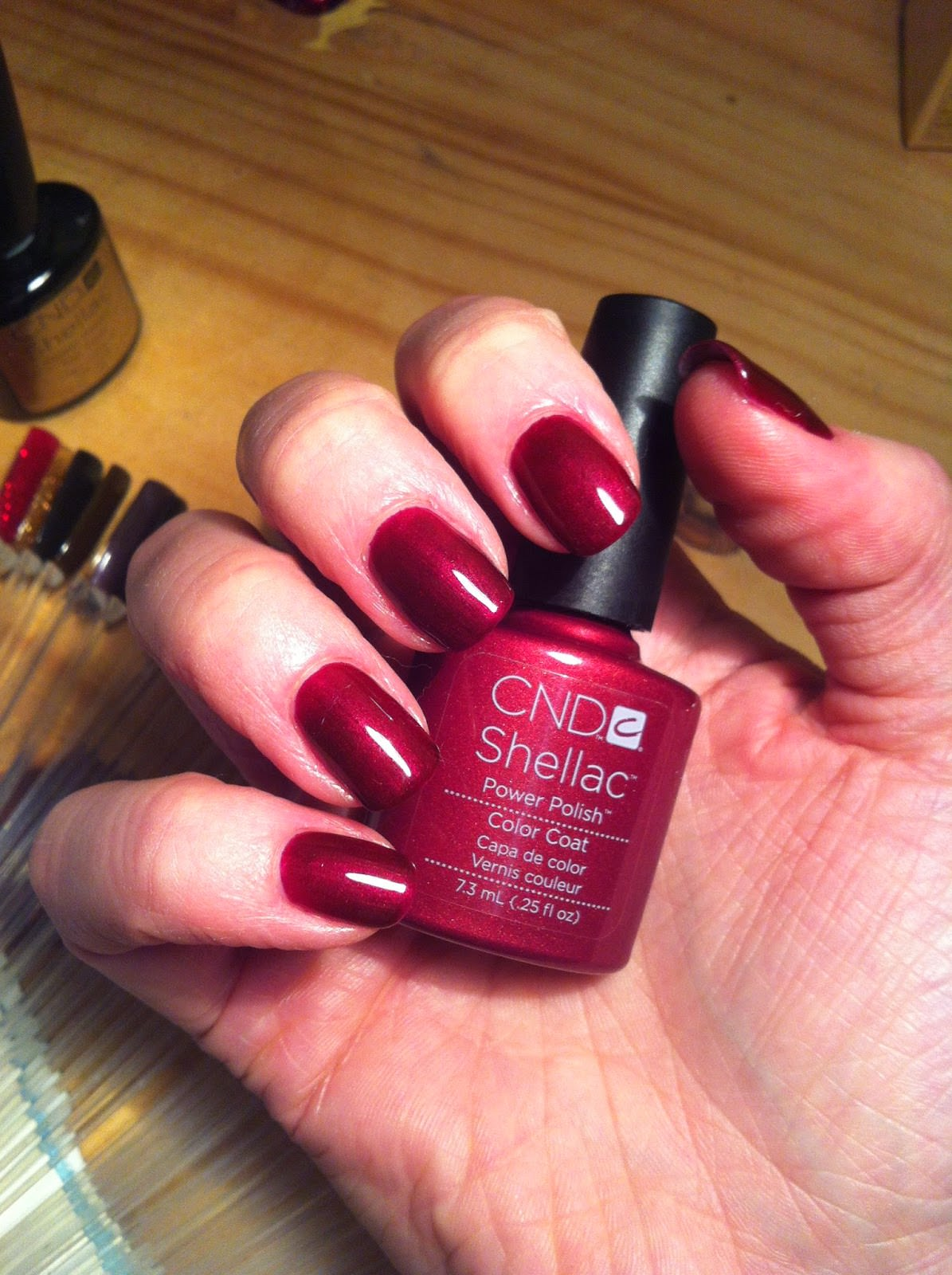 Shellac tango passion на ногтях фото